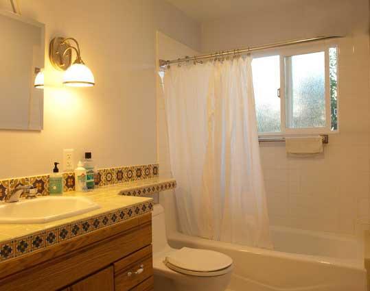 Upper Bath 1